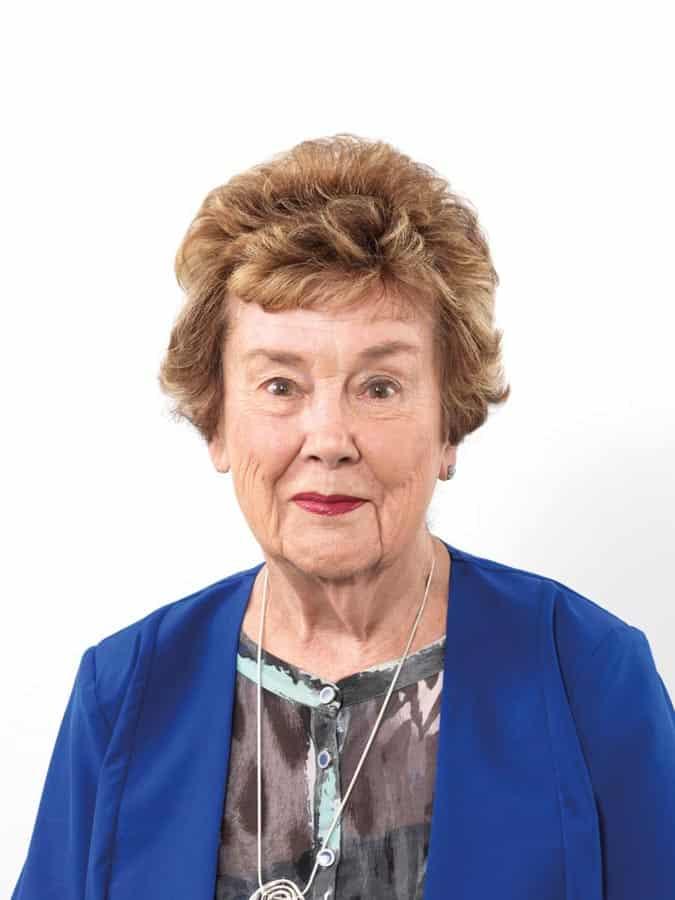 Marie Curlis